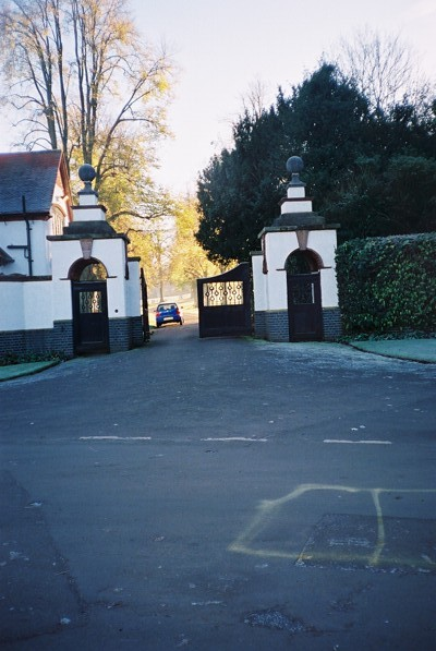 The entrance to Cayton Park