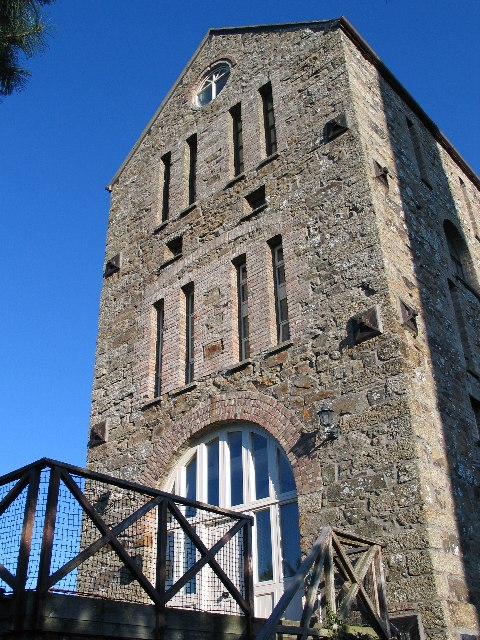 Tregurtha Downs Mine engine house