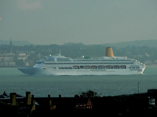 Oriana in the Eastern Solent