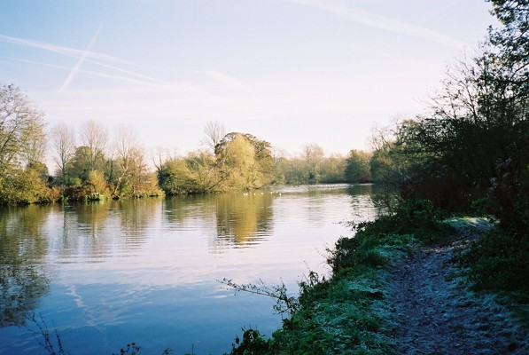 River Thames - frosty towpath
