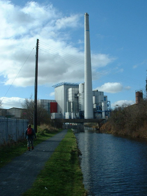 Huddersfield Broad Canal and the Municipal Incinerator