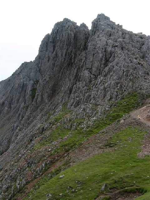 The Eastern Approach to Crib y Ddysgl
