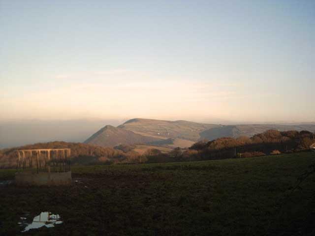 Farmland above Hole Farm