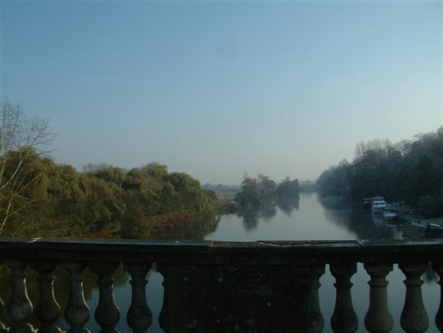 Looking East over Shillingford Bridge