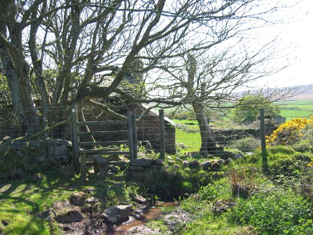 Ruined Cottage near Harding Down