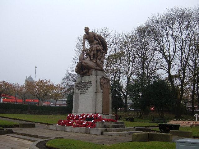 War memorial, Shaw