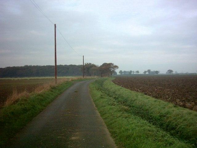 Rendham Lane  between Thurstons & Upper Grove Farm