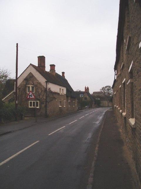 Main street in Pavenham