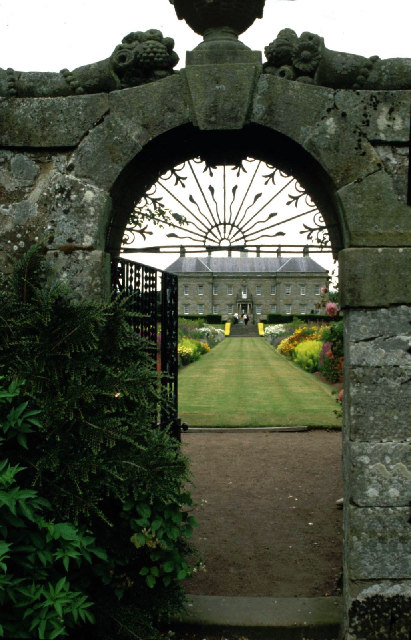 Kinross House through the garden gate.