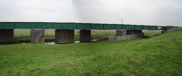 Railway bridge east of Stanground