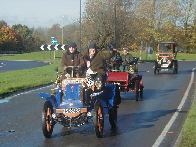 Veteran Cars start to climb Pease Pottage Hill