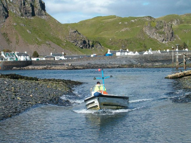 The Easdale Ferry Approaching Easdale Island