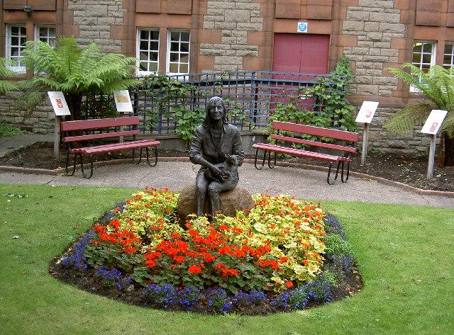 Linda Mccartney Memorial Garden C Bill Wilcock