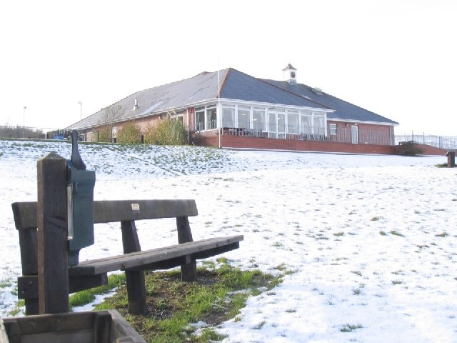 Clubhouse and Beacons View restaurant at Parc Garnant Golf Club