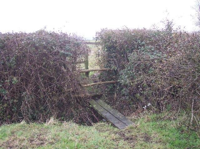 Footbridge on Footpath near Peopleton