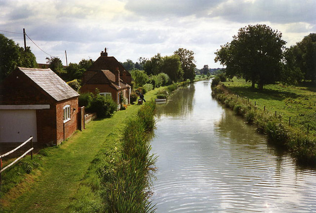 Little Bedwyn: the Kennet & Avon Canal from Fore Bridge