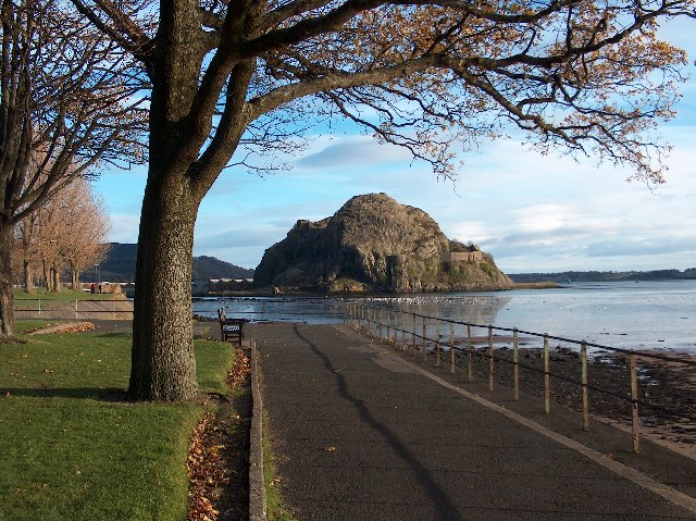 Dumbarton Rock from Levengrove Park