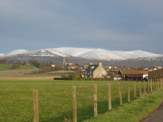 Arns, looking up to Clackmannan