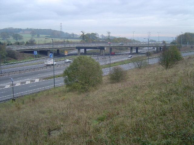 M1 Motorway: Junction 4