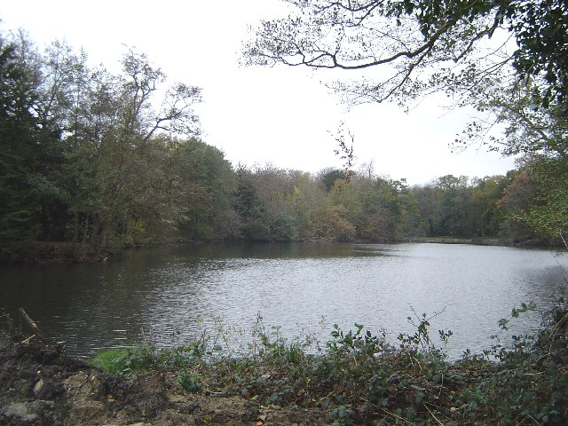 Summerhouse Lake, Stanmore