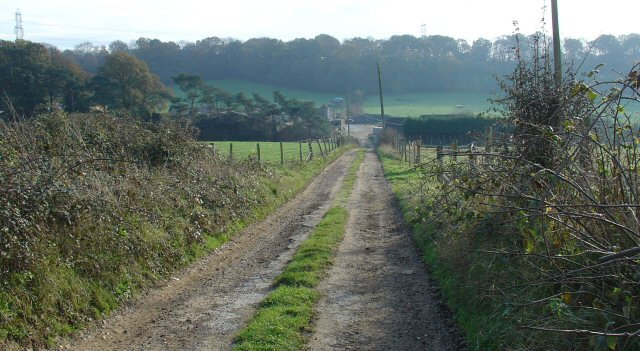 Public Footpath to Heathtolt Farm, Maplehurst, West Sussex