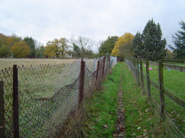 Rickmansworth: Public footpath, Woodcock Hill