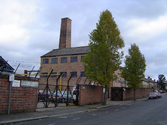 Watford: Factory with chimney, Sydney Road