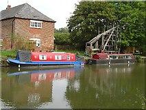 SU2263 : Kennet & Avon Canal by Michel Van den Berghe