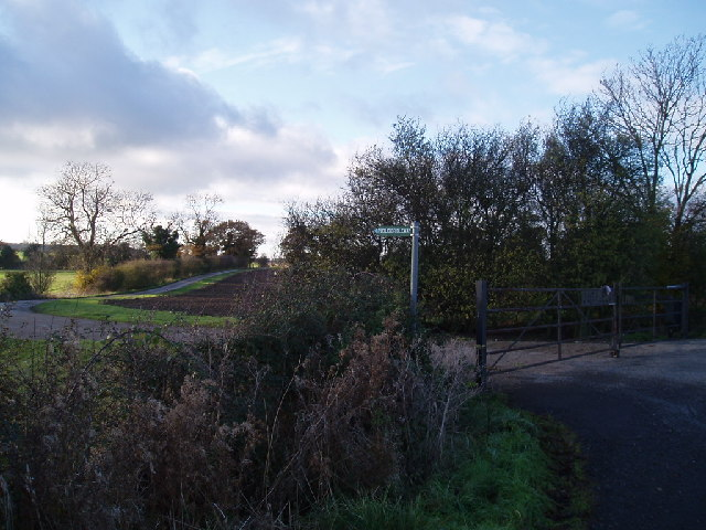 Entrance to Outfields farm