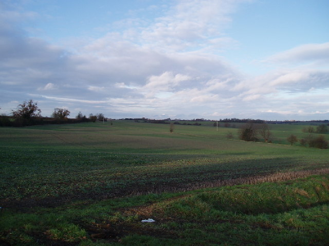 Fields between Trayslefield farm and Manor farm