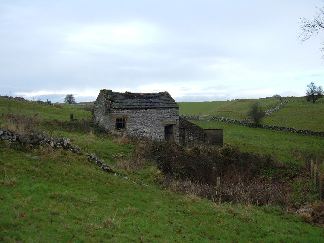 Barn on the Limestone Way above Bradford Dale