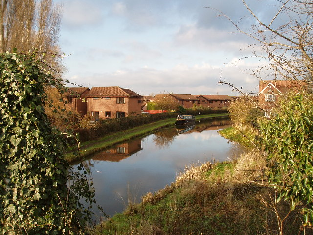 Trent & Mersey Canal from School Road North Bridge