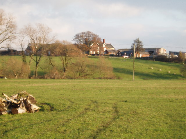 Looking west to Shipbrookhill