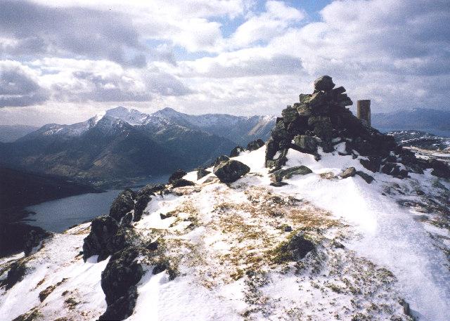 the summit of Mam na Gualainn