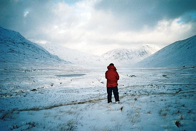 Looking East along Glen Kingie
