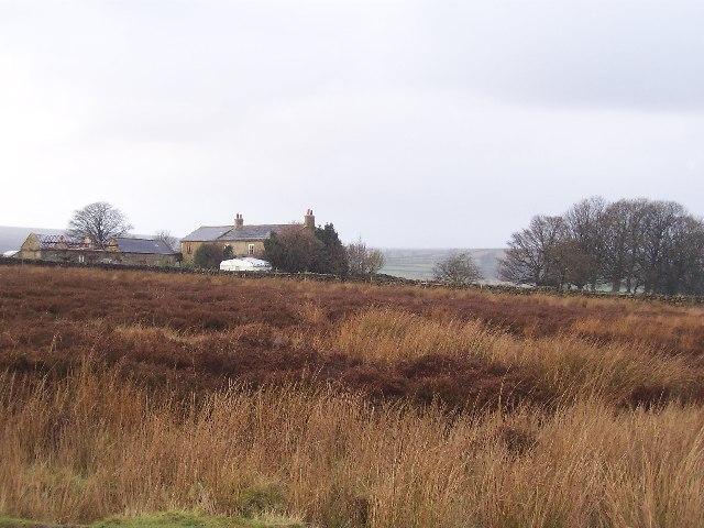 Farm on edge of Dallowgill Moor