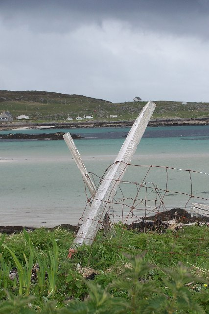 Remains of fence on Orosay