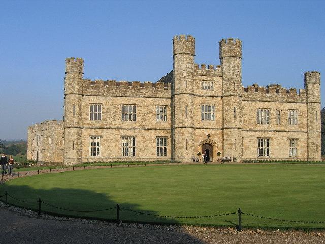 Leeds Castle main entrance