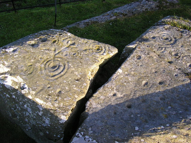 Cup and ring marked rocks near Drumtroddan farm