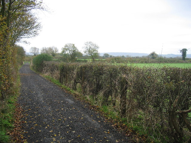 A gravel section of the Midshires way
