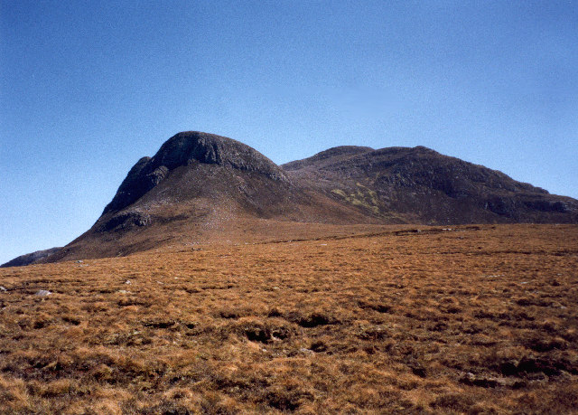 the rough and rugged moorland below Beinn Ghobhlach