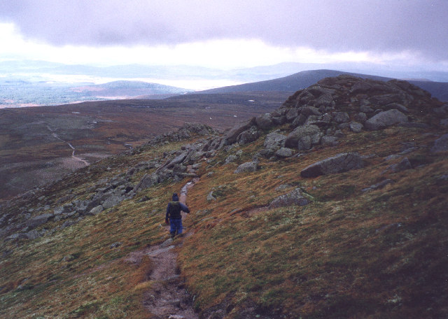 the path down the north ridge of Bynack More