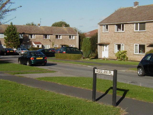 Raglan Place, Thornbury
