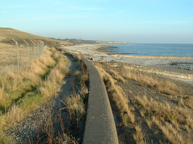 Leys Beach towards Rhoose Point