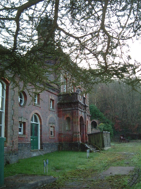 Dancers End Pumping Station