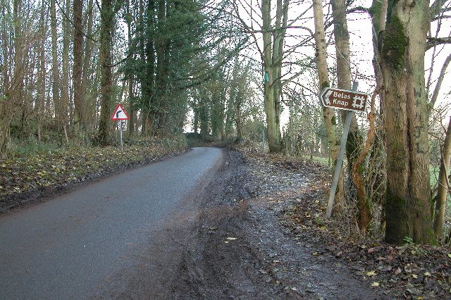 Signpost to Belas Knap