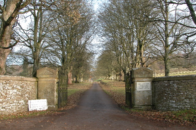 Entrance to Guiting Grange