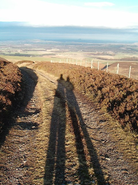 Long shadows on Lammer Law