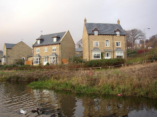 New houses at Swine Lane Bridge, Morton