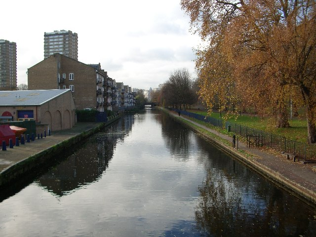 Hertford Union Canal, Bow